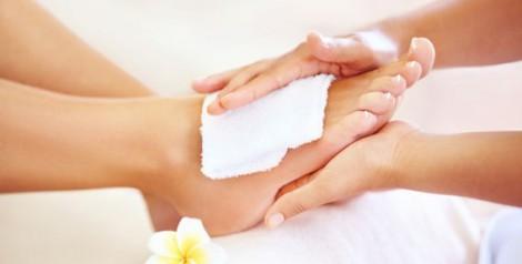 Болит косточка на ноге около большого пальца лечение причины