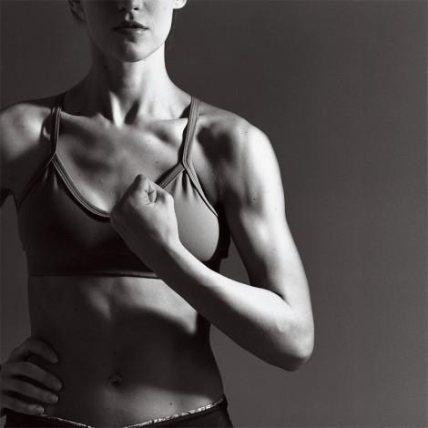 Упражнения для рук с эластичной лентой